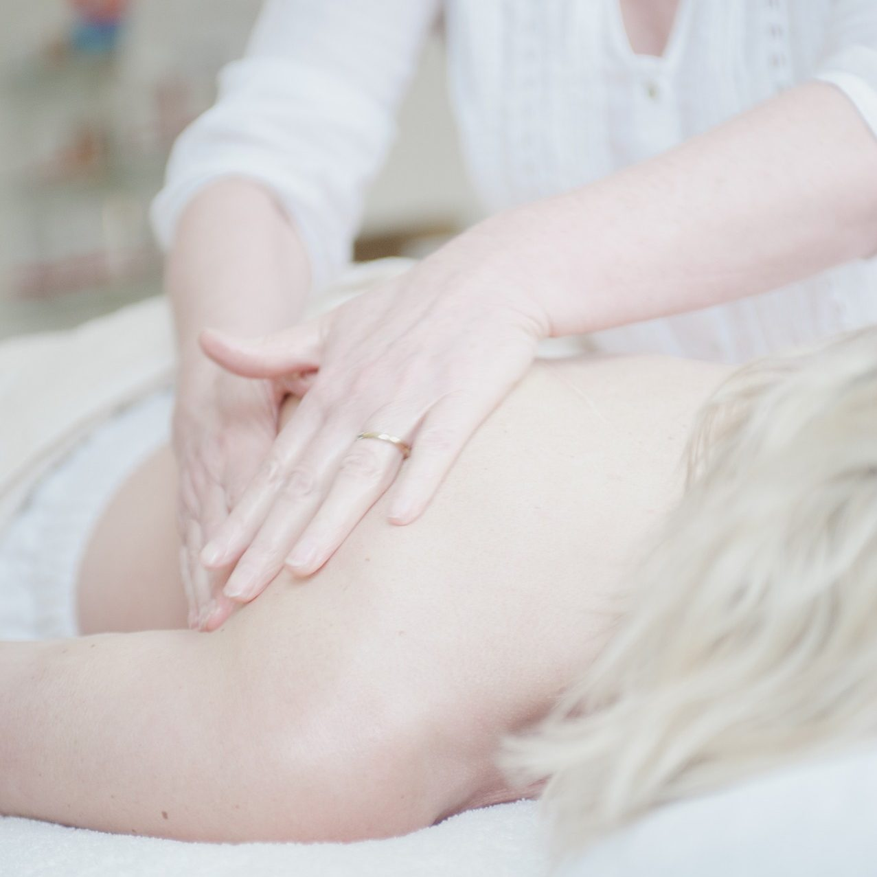 massage-650879_1920